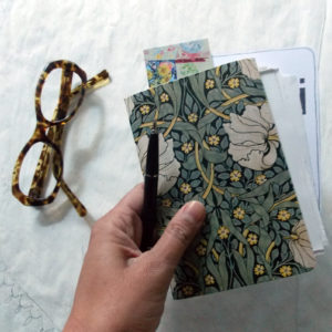 vendredi-notebook-fleurs-motif-morris